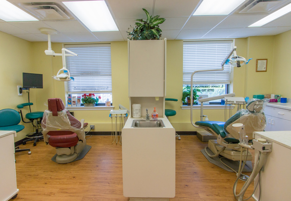 Dentist South Orange Dental Implants Veneers Orthodontic Emergency Dentist Procedure Room